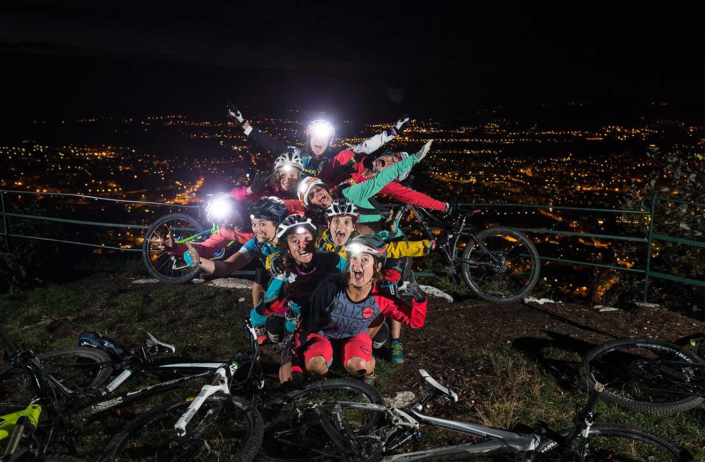 equipe-bikettes-annecy-bike-girl-team-velo-vtt-equipe-fille