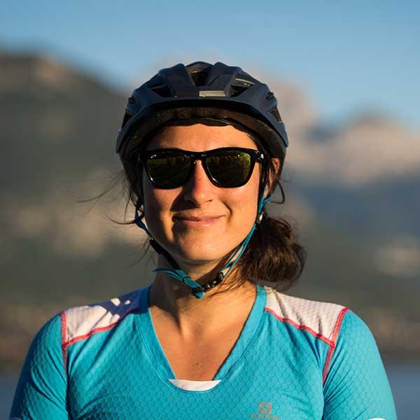 margaux-equipe-bikettes-annecy-bike-girl-team-velo-vtt-equipe-fille